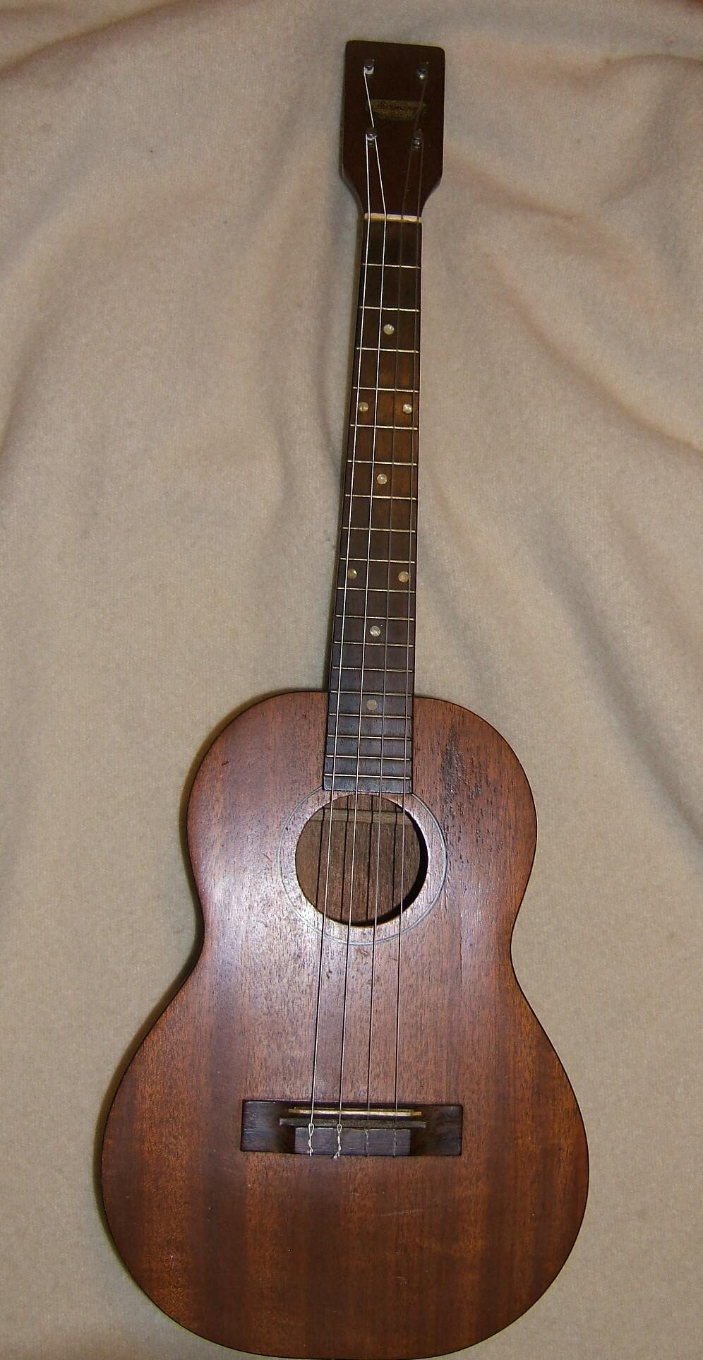 harmony baritone ukulele value